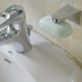 Kép 1/3 - Falra rögzíthető mágneses szappan tartó