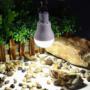 Kép 8/8 - Hordozható napelemes LED villanykörte 15w 130 LM
